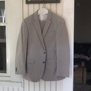 Kenneth Cole Reaction Grey Seersucker Style Suit